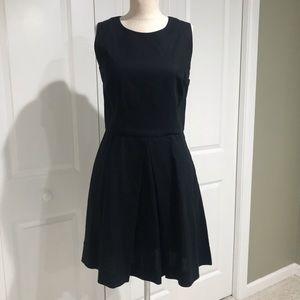 ❤️ Super Cute GAP Black Sleeveless Dress Size 6 ❤️